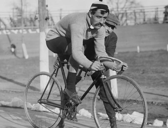 road-bike-63199_1920
